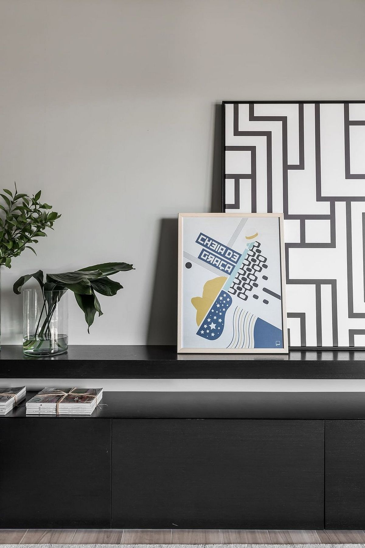 Decorating the living room in a modern casual style with a bit of geo flair