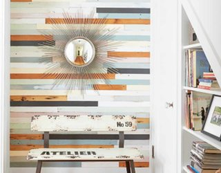 Reclaimed Wood in the Entryway: An Elegant and Eco-Friendly Finish