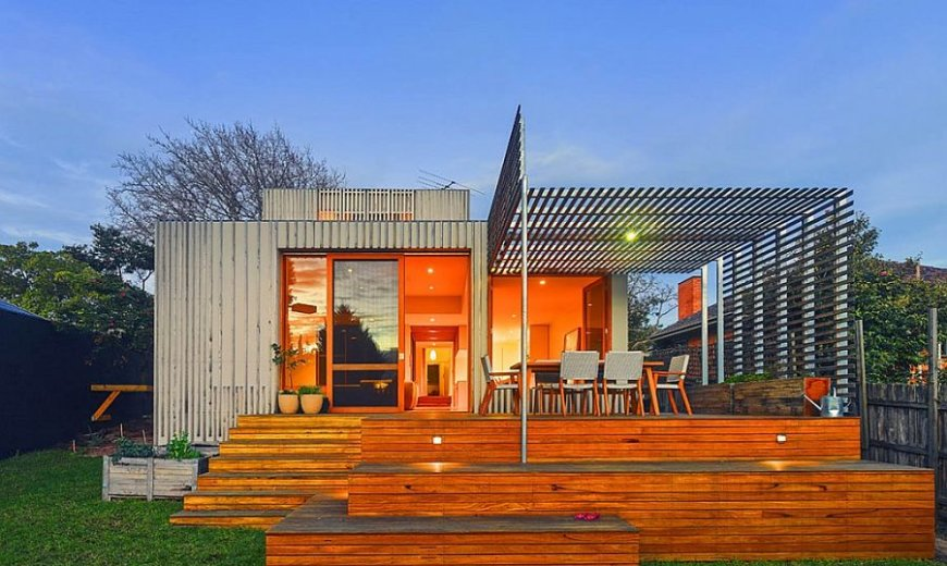 Bayside Residence: Timber Battens and New Floor Plan Revamp Art Deco Home