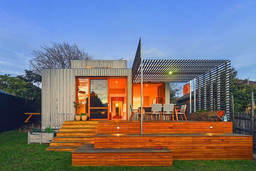 Bayside Residence: Timber Battens and New Floor Plan Revamp Art Deco Home
