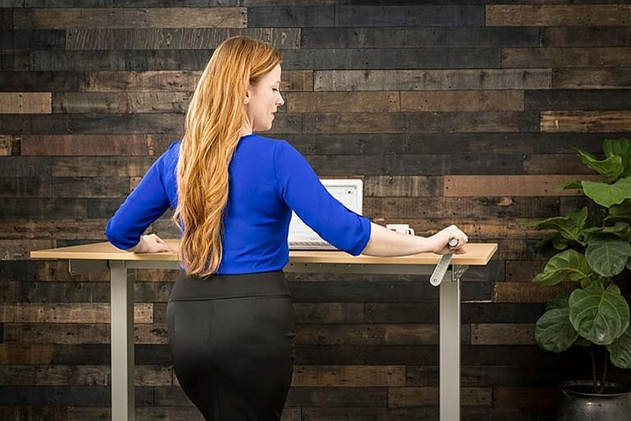 Find-a-sit-stand-desk-with-a-mechanism-that-work-best-for-you-78790