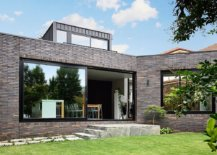 Modern-addition-and-extension-to-the-classic-Melbourne-home-moves-away-from-the-usual-box-style-rear-extension-idea-60608-217x155