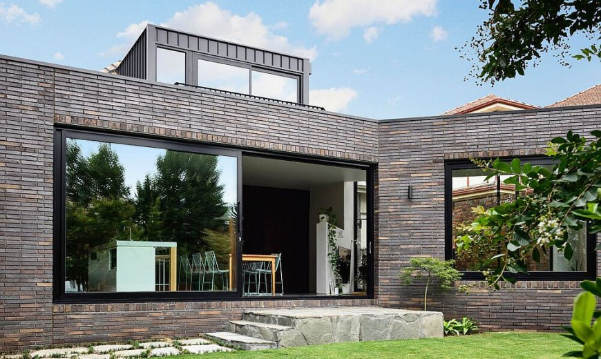 1940's Ascot Vale House Finds New Life with an Innovative Brick and Glass Extension