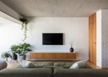 Modern-industrial-apartment-in-Sao-Paulo-with-painted-brick-walls-and-exposed-concrete-ceiling-26570-217x155