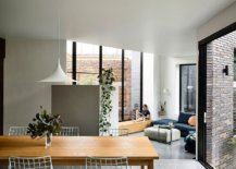 New-addition-to-the-1940s-Art-Deco-Houe-brings-in-natural-light-while-altering-the-interior-34931-217x155