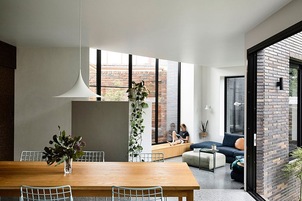 New-addition-to-the-1940s-Art-Deco-Houe-brings-in-natural-light-while-altering-the-interior-34931