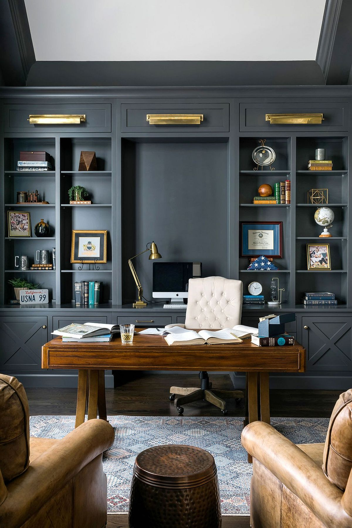 Polished-contemporary-home-office-in-gray-with-cutsom-wooden-desk-58722