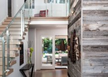 Reclaimed-wood-wall-add-style-and-textural-contrast-to-the-spacious-contemporary-entry-36316-217x155