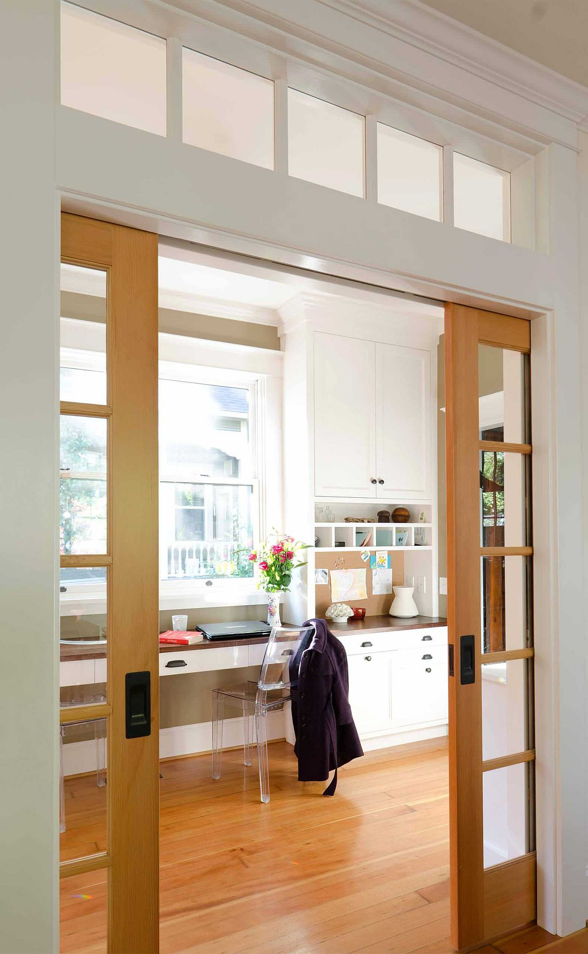 Sliding-glass-walls-with-wooden-frame-are-a-great-way-to-cut-out-noise-57006