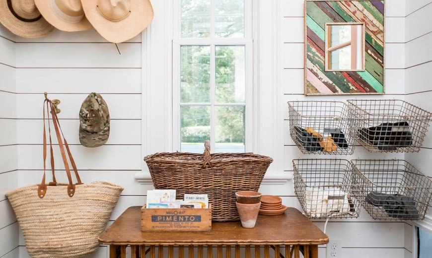 16 Farmhouse Entryway Ideas to Make Your Guests Feel Welcome