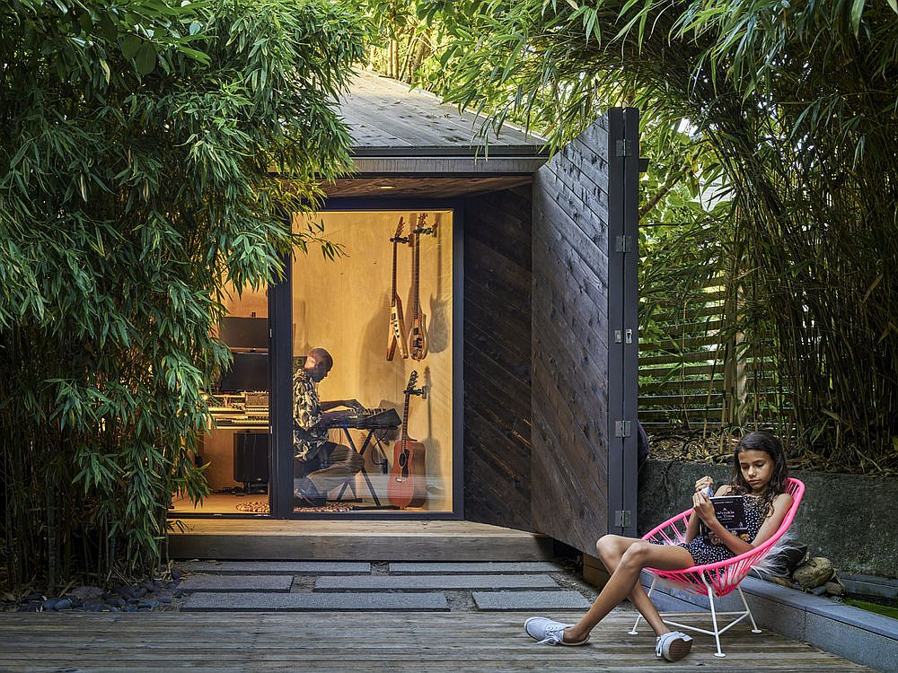 Tiny Music Studio in the backyard of modern home in Vancouver designed by Campos Studio