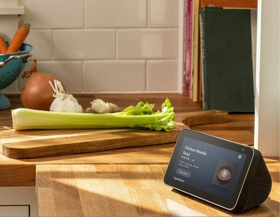 Amazon Echo Show 5 helps in the kitchen