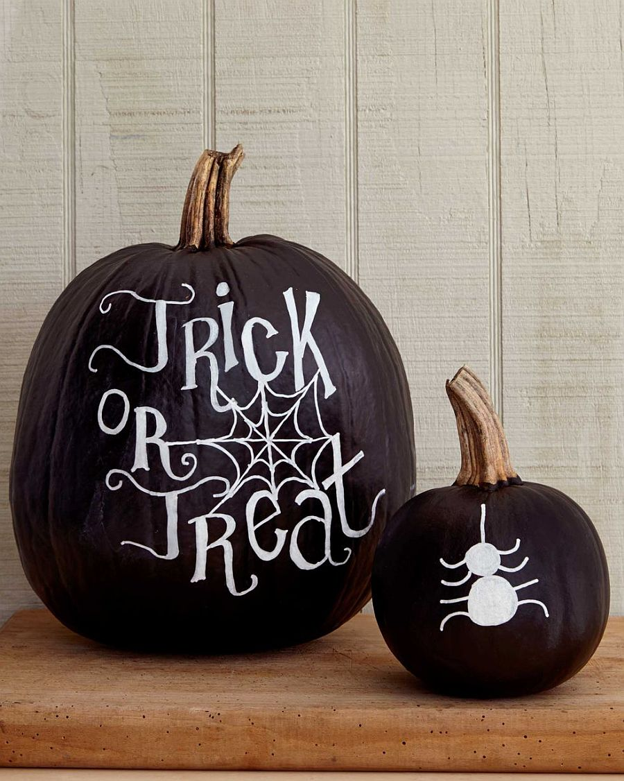 Another gorgeous chalkboard paint pumpkin decorating idea you will love