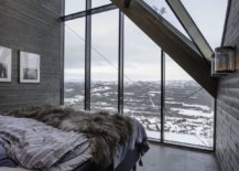Bedroom-of-the-Diamanten-Cabin-with-amazing-views-of-the-mountains-around-it-59838-217x155