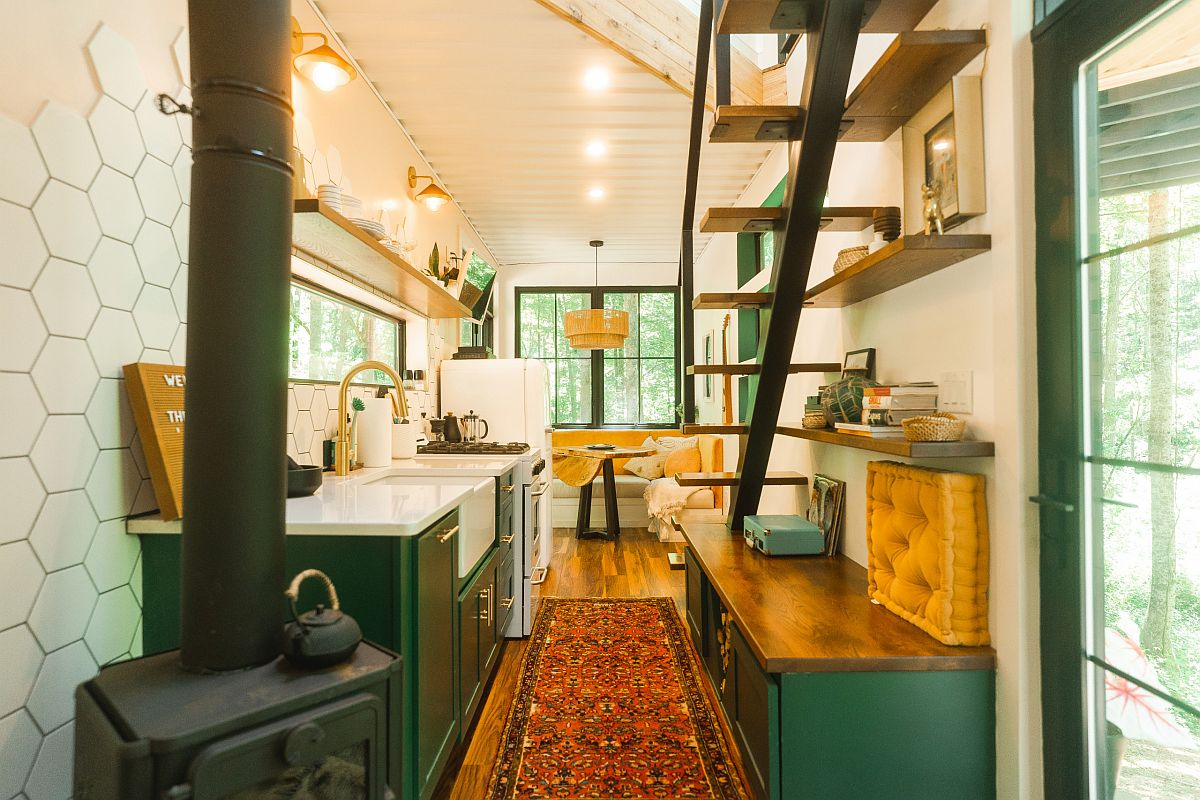 Bright emerald and golden yellows steal the spotlight in this boho farmhouse style kitchen