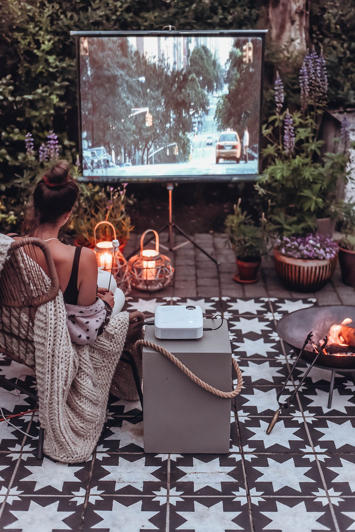 Budget, dreamy outdoor cinema crafted in a limited space