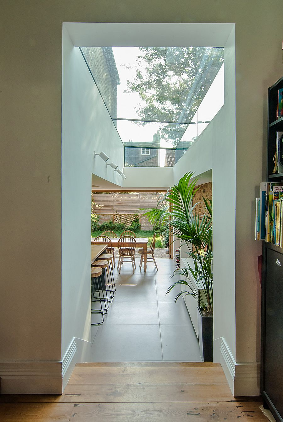 Combining-the-old-with-the-new-at-the-stylish-Stoke-Newington-home-91589
