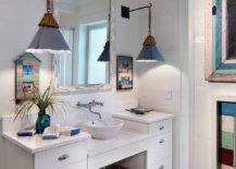 Cottage-and-beach-styles-rolled-into-one-inside-the-small-bathroom-28006-217x155