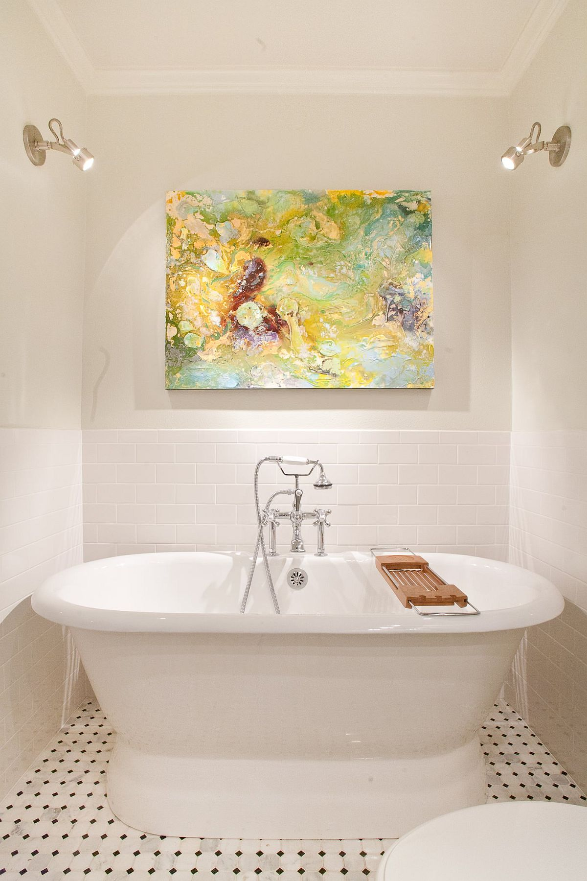 Creative use of lighting and wall art in the small modern bathroom