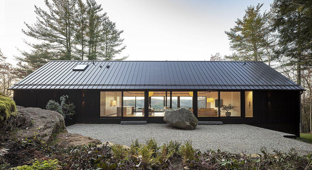 Ledge House: Vernacular Design and Mesmerizing Views Meet Modern Aesthetics