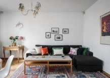 Dark-sectional-perfectly-fits-into-the-living-room-corner-with-ease-65367-217x155