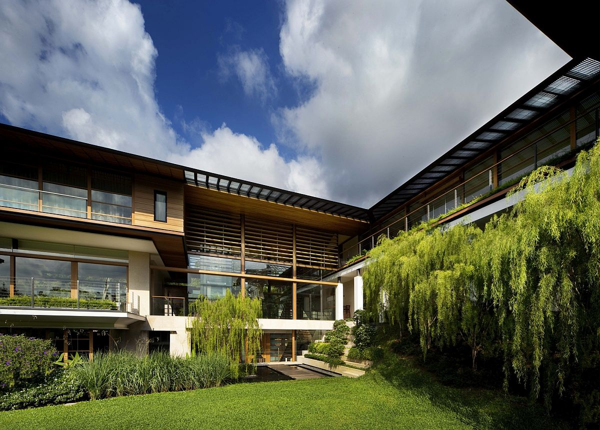 Design of the house gives ample space for greenery to make a big visual impact here