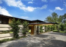 Extended-roof-structures-and-pavilions-offer-natural-shade-at-the-modern-Singapore-home-22475-217x155
