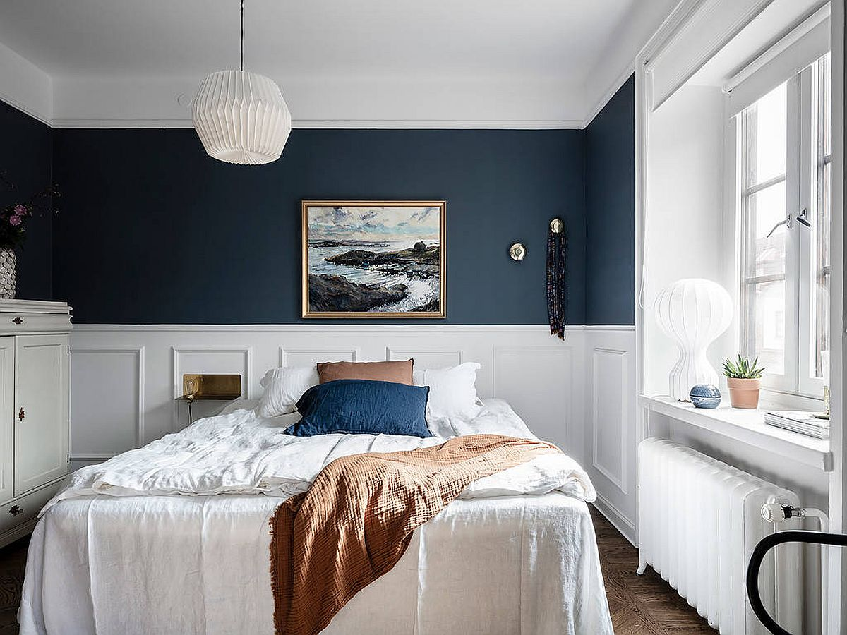Eye-catching-blend-of-deep-blue-and-white-in-the-modern-bedroom-14942