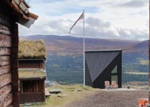 Fabulous-modern-minimal-cabin-set-among-classic-woodsy-mountian-homes-in-Norway-23179-217x155