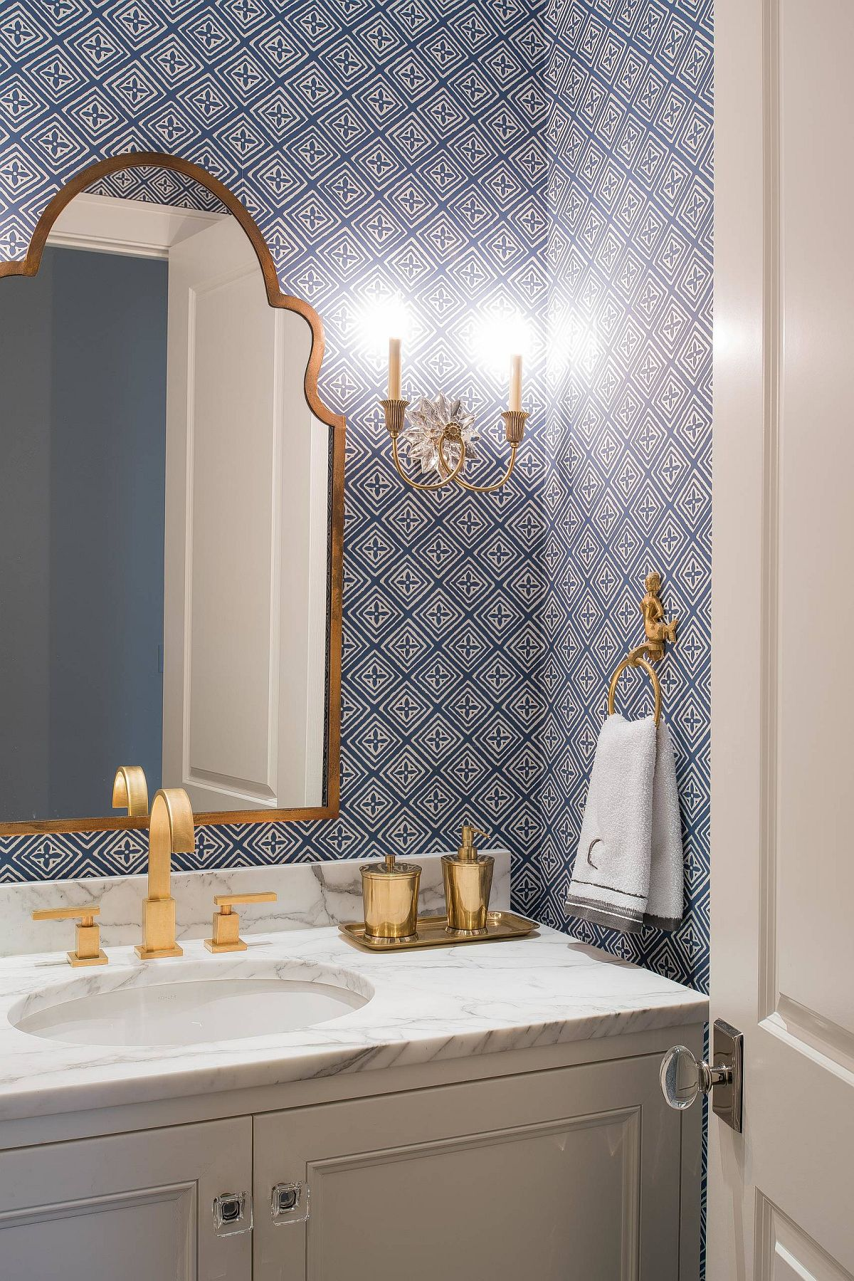 Find the perfect sconce light for your renovated bathroom