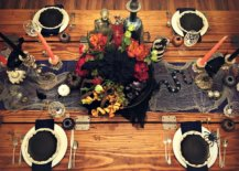 Finer-details-like-the-small-snake-and-cobwebs-make-a-big-difference-to-the-Halloween-tablescape-90072-217x155