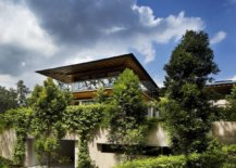 Flood-of-greenery-around-the-house-creates-a-private-natural-escape-in-Singapore-17083-217x155