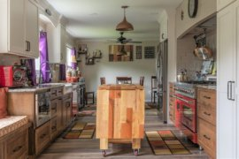 Most Beautiful Eclectic Kitchens with Custom Wood Islands: Cozy and Creative