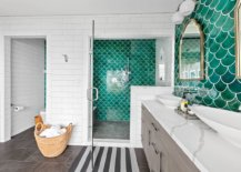Gorgeous-green-tiles-of-the-accent-wall-add-to-the-beach-style-of-this-bathroom-67217-217x155