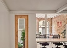 Natural-light-and-revamped-interior-create-a-lovely-office-in-Spain-70642-217x155