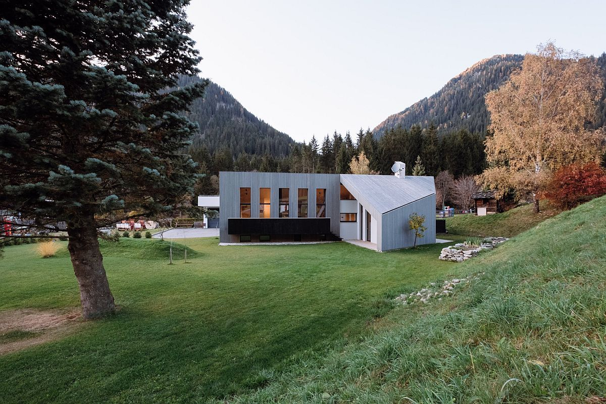 Old-silver-fir-tree-sits-at-the-heart-of-the-lot-and-shapes-the-L-House-98166
