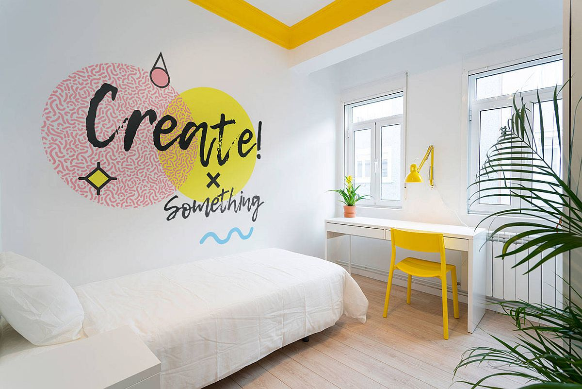 Playful-pops-of-yellow-and-orange-in-the-dashing-white-bedroom-95597
