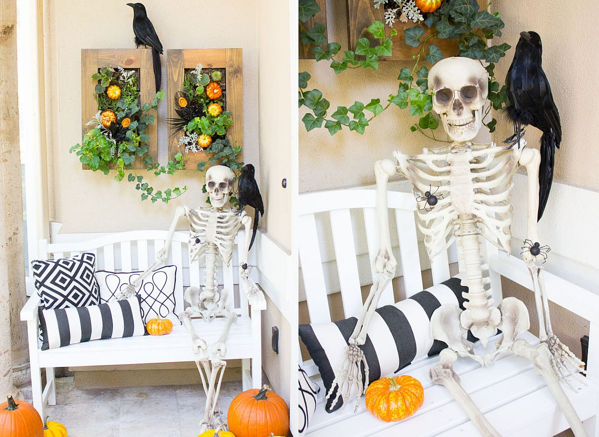 Scary front porch decorating idea for Halloween
