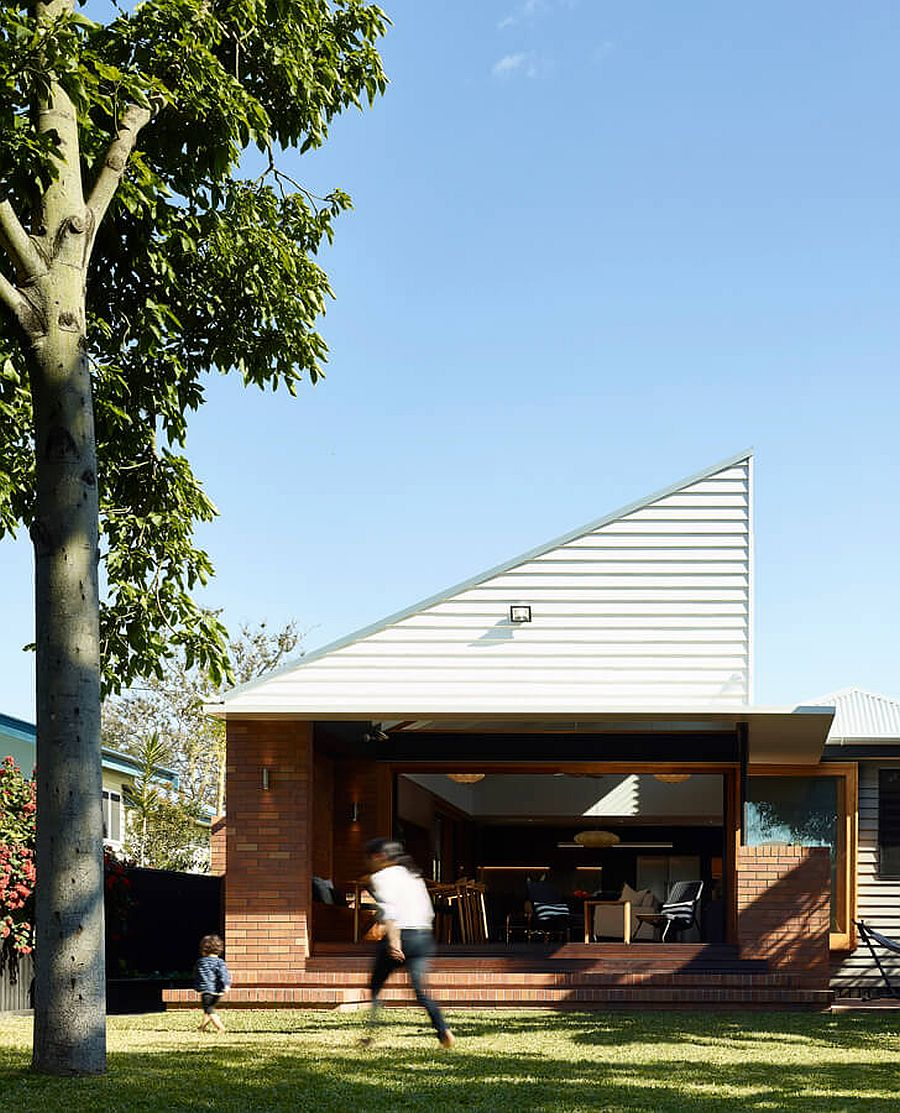 Smart timber and brick extension brings new dynamics to post-war home in Australia