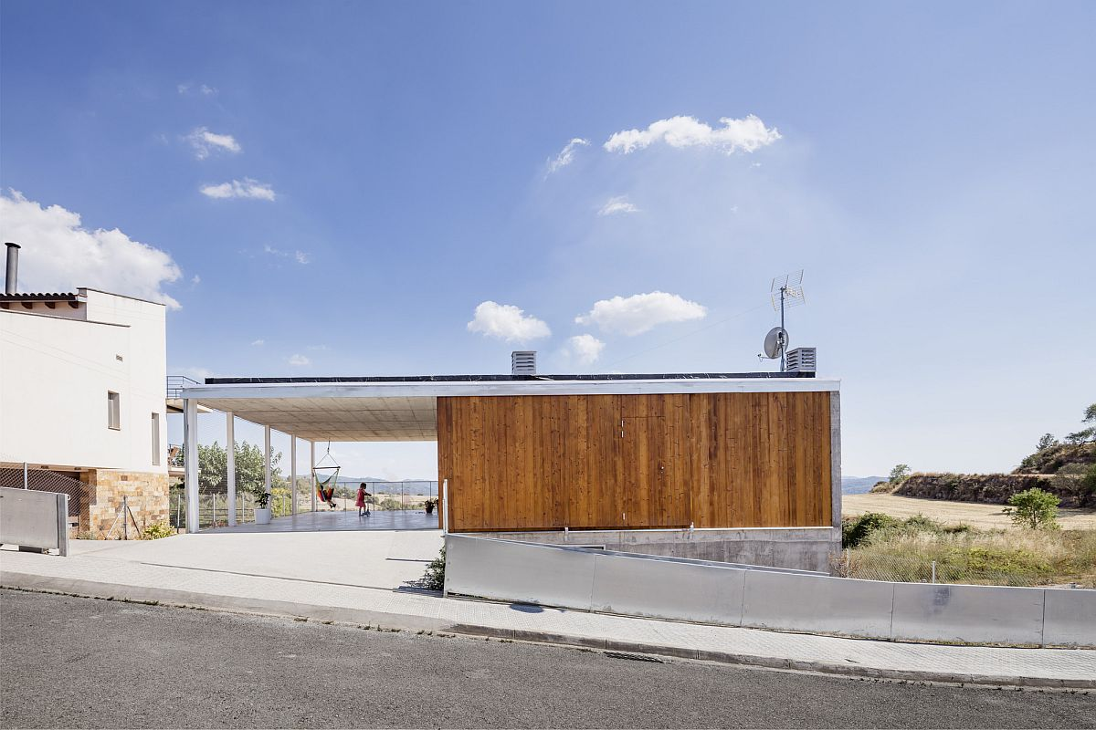 Street facade of the modern and open Calders House designed by narch in Spain