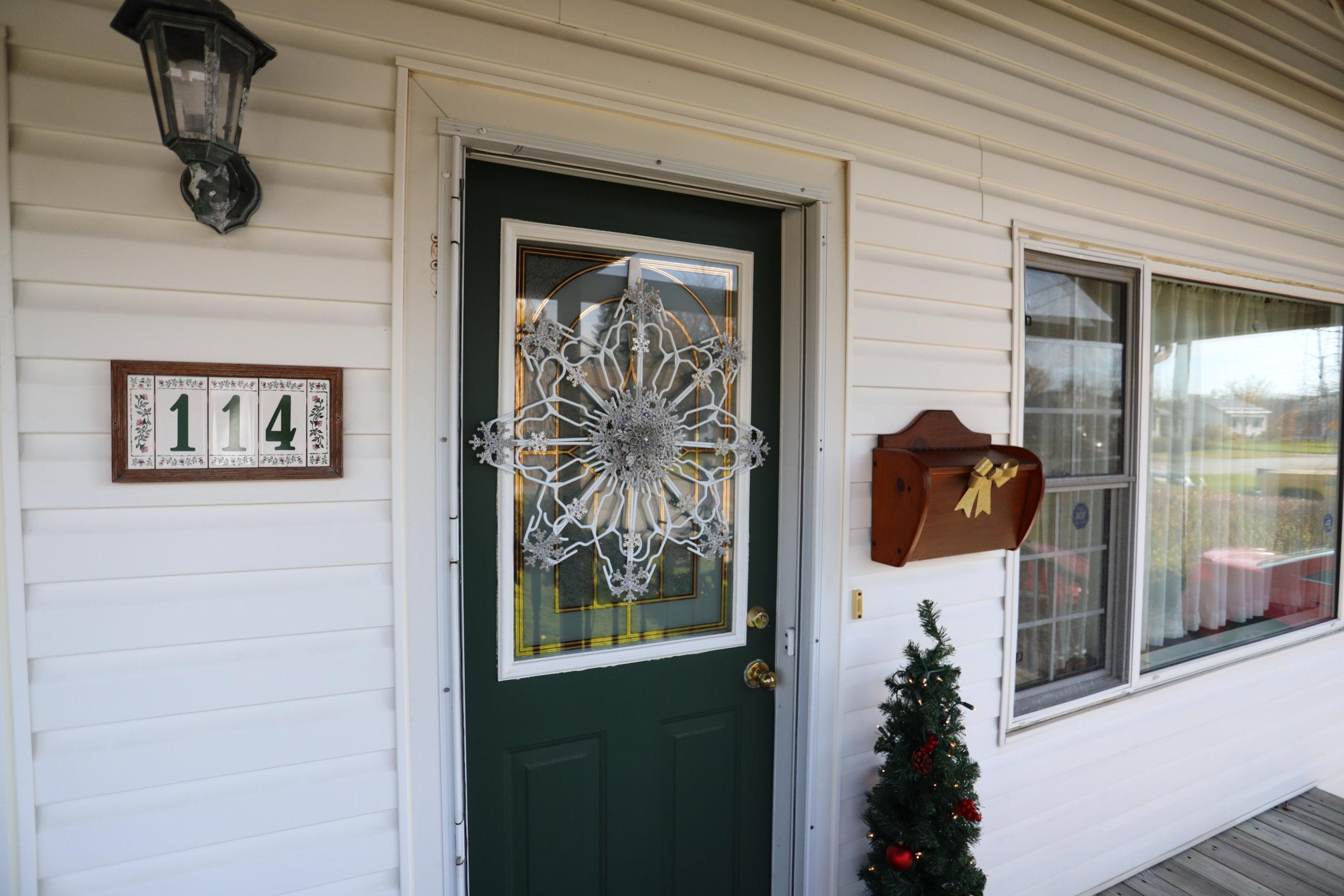 finshed snowflake hanger on door