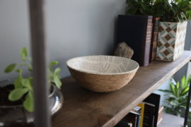 This DIY Book Page Rope Bowl is Perfect for Your Bookshelf
