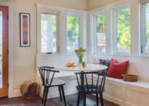 Combine-the-bench-in-the-corner-with-chairs-for-a-comfy-breakfast-zone-17248-217x155