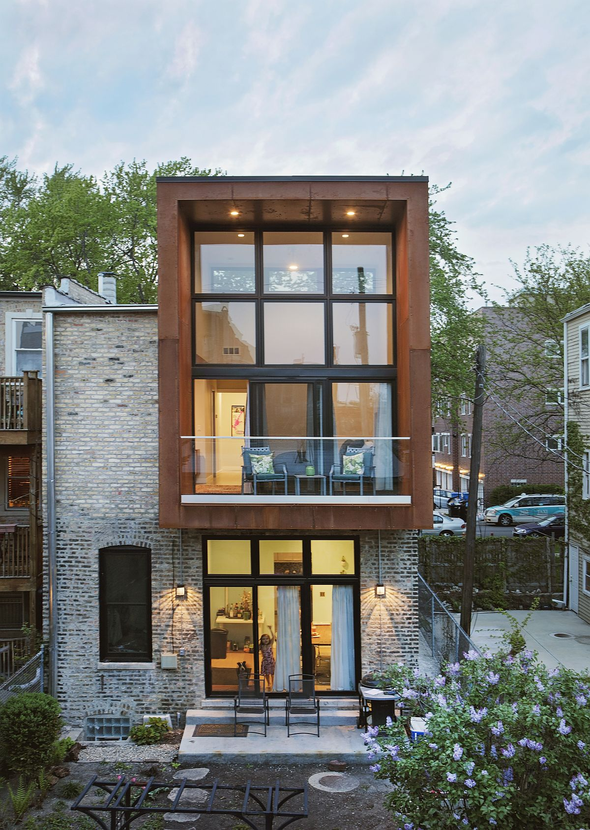 Corten rear addition adds additional space to this revamped butcher shop in Chicago