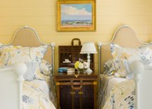 Cottage-style-combined-with-yellow-beauty-in-the-bedroom-50646-217x155
