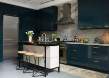 Create-a-breakfast-zone-that-perfectly-fits-the-style-and-spatial-demands-of-the-kitchen-51587-217x155