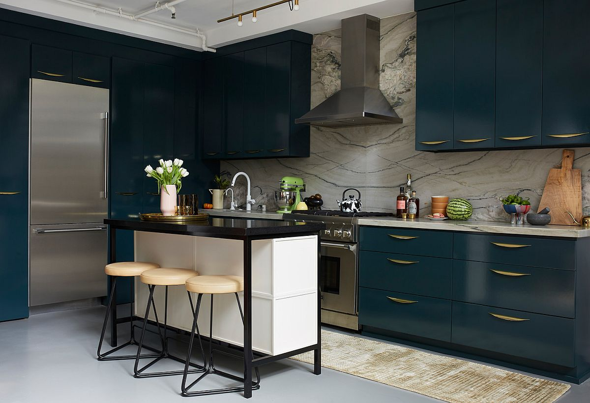 Create a breakfast zone that perfectly fits the style and spatial demands of the kitchen