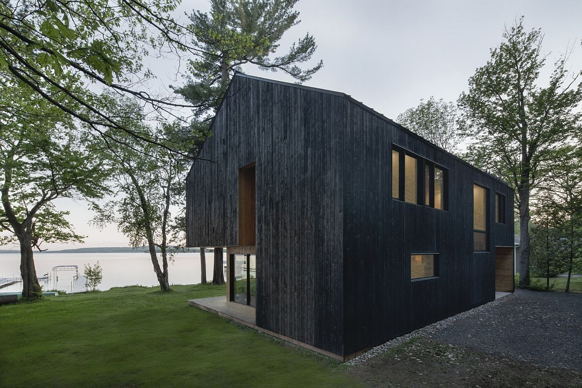 Fabulous new building on the banks of Lake Brome with a striking, dark exterior