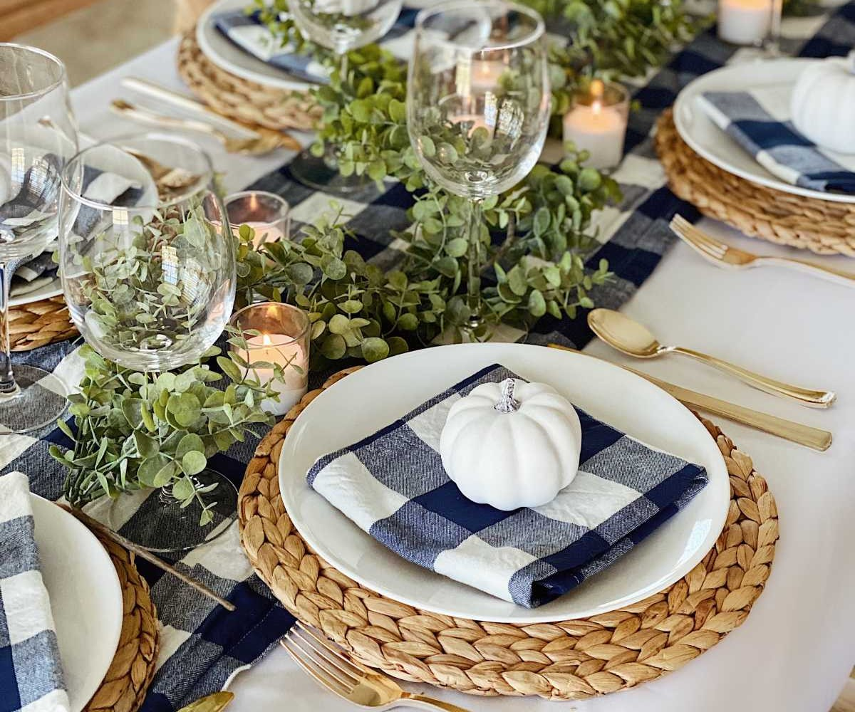thanksgiving table with gingham accents