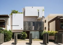 Innovative-design-of-the-entrance-to-accomodate-parking-of-4-cars-50814-217x155